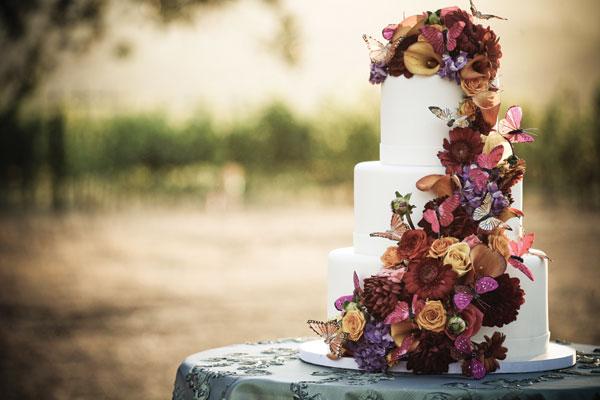 fall-wedding-cake-alisha+brook-photography-real-blooms-silk-butterflies