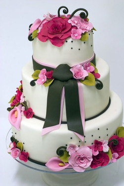 White Rose with Creamy Romantic Cake  - CDR 2905