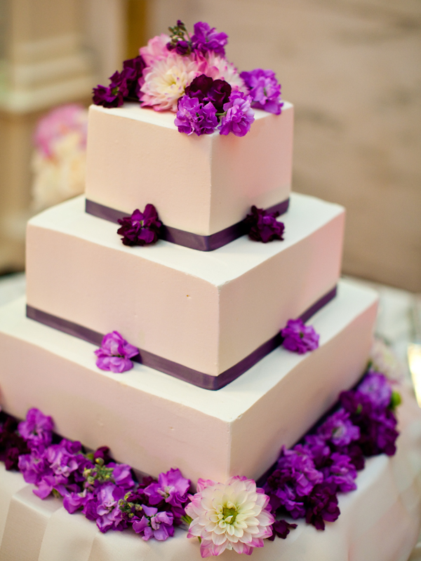 simple-chic-wedding-cake-4