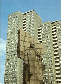 Statue of Lenin erected by the East German Marxist–Leninist government at Leninplatz in East Berlin, East Germany (removed in 1992