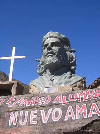 Monument to Guevara in La Higuera