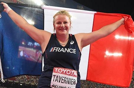 Première médaille mondiale et encore un record pour Alexandra