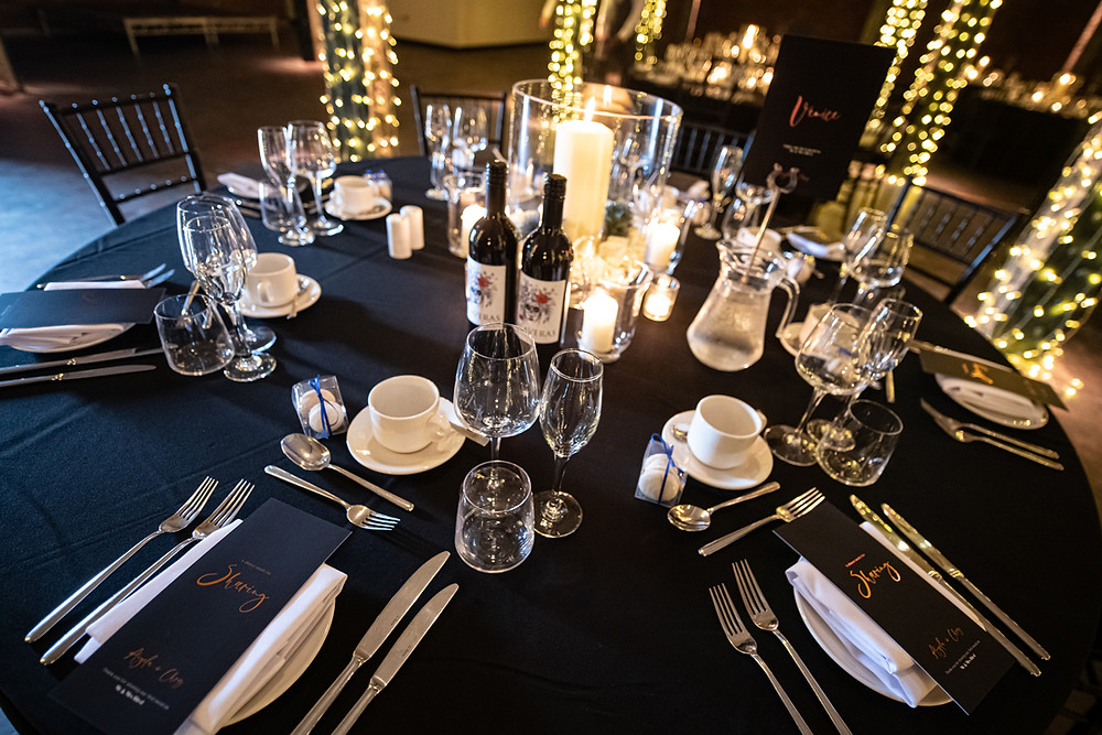 Table setting with menus and table names