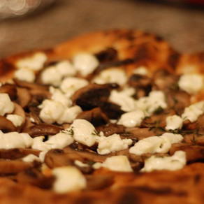 MUSHROOM & GOAT CHEESE PIZZA