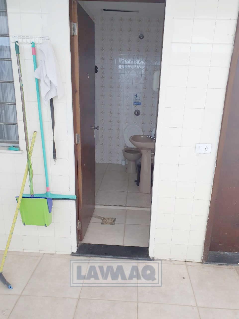 more no local de trabalho Lavanderia pet e toalheiro