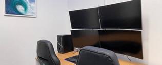 BTA Mona Vale Tutoring Academy - Quad Monitor Desk.JPG