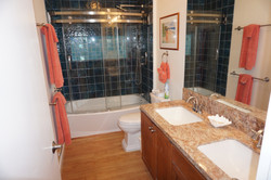 Double Sinks with Tub/Shower