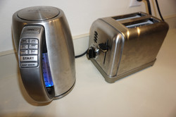 Electric Tea Kettle and Toaster