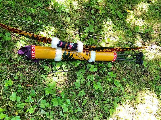 Arc, carquois et flèches, en bois