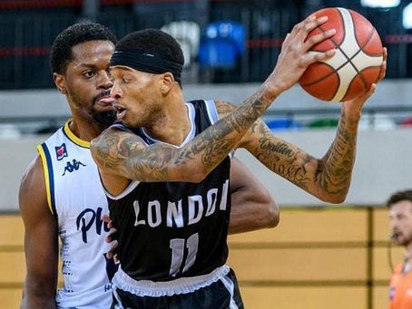Parker and Williams' daggers give Lions advantage