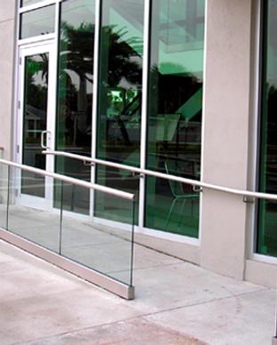 glass_handrail_blumcraft.png