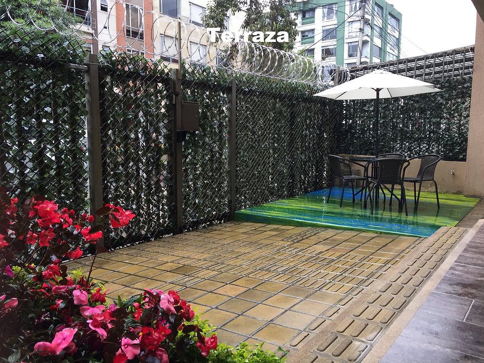 Inn House 1 Terraza exterior_edited.jpg