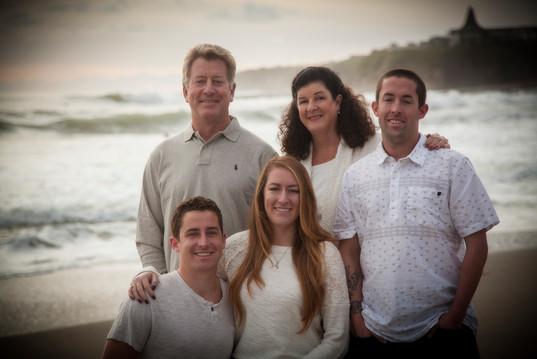 2015-DEC. HANSMANN FAMILY PORTRIAT ON BE