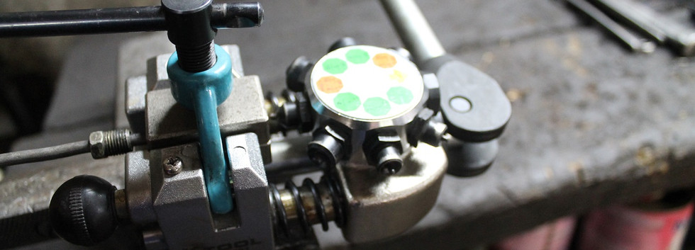"""Pour ajuster ou refaire  les tuyaux de freins au nouveau montage, il vaut mieux avoir """"l'outil qui va bien"""""""