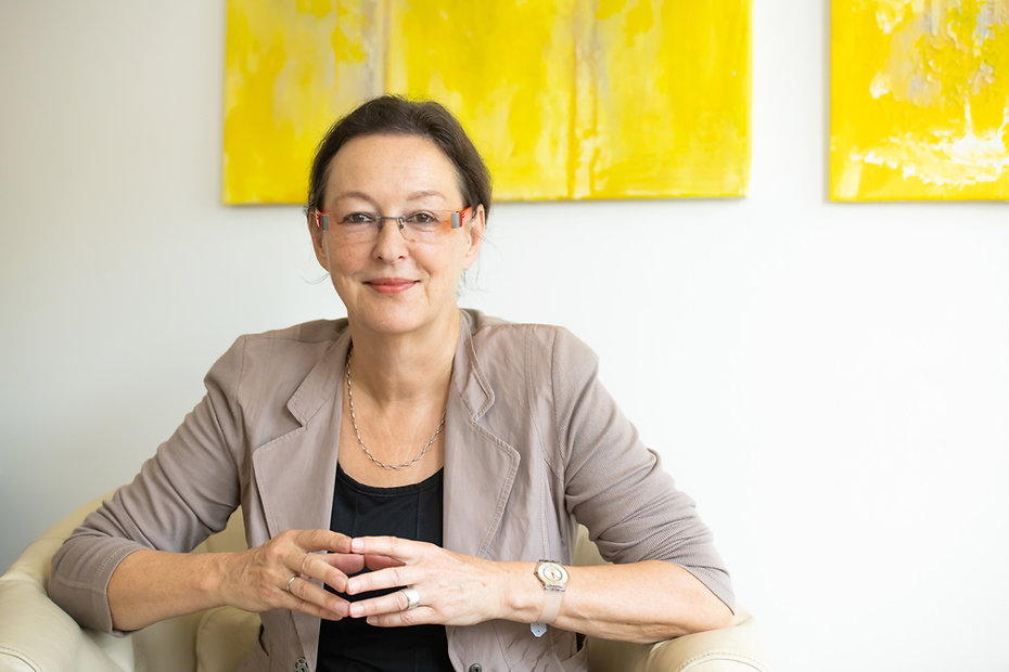 070_Dr-Ursula-Neidhardt.jpg