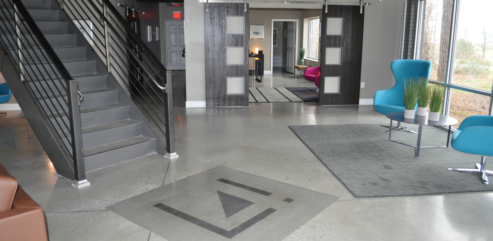Level 4 Showroom Polished with Logo
