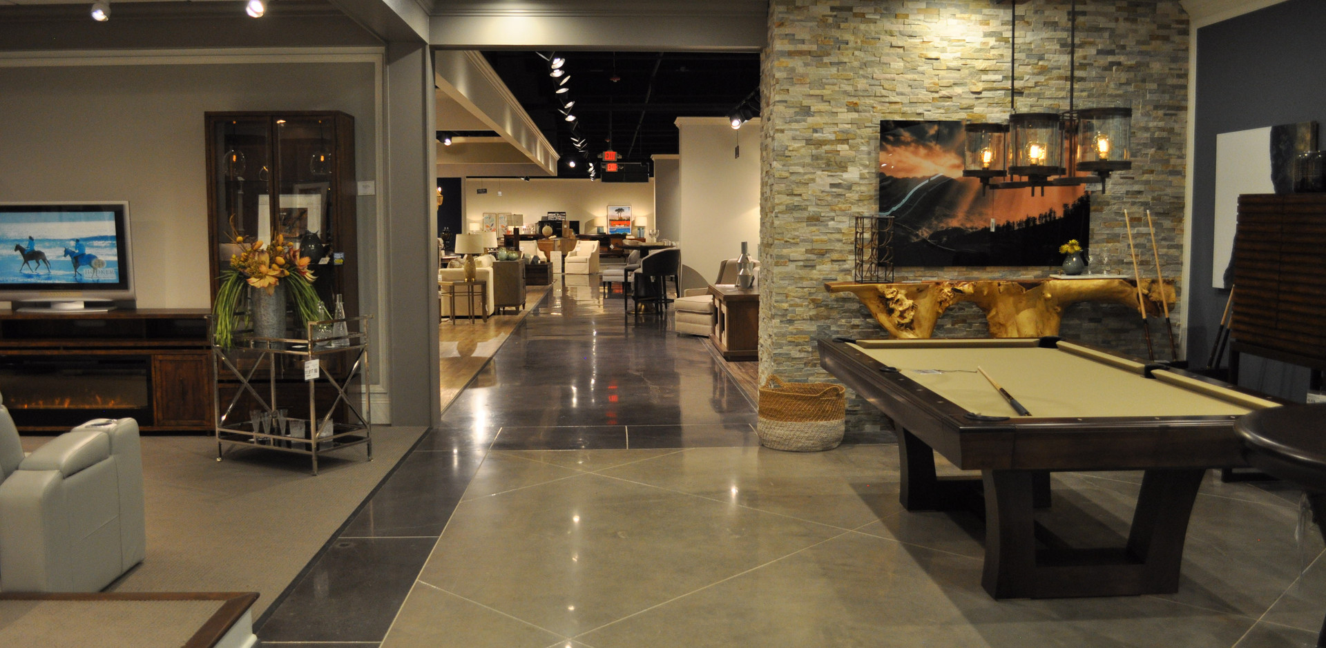 FurnitureLand South, Showroom 8