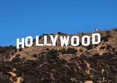 1200px-Hollywood_Sign_(Zuschnitt).jpg