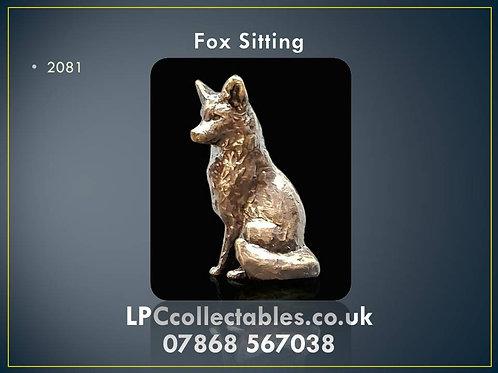 2081 Fox Sitting