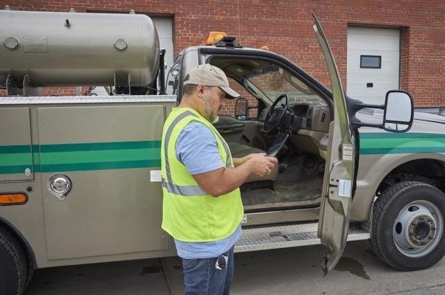 ways to save money using a fleet management system