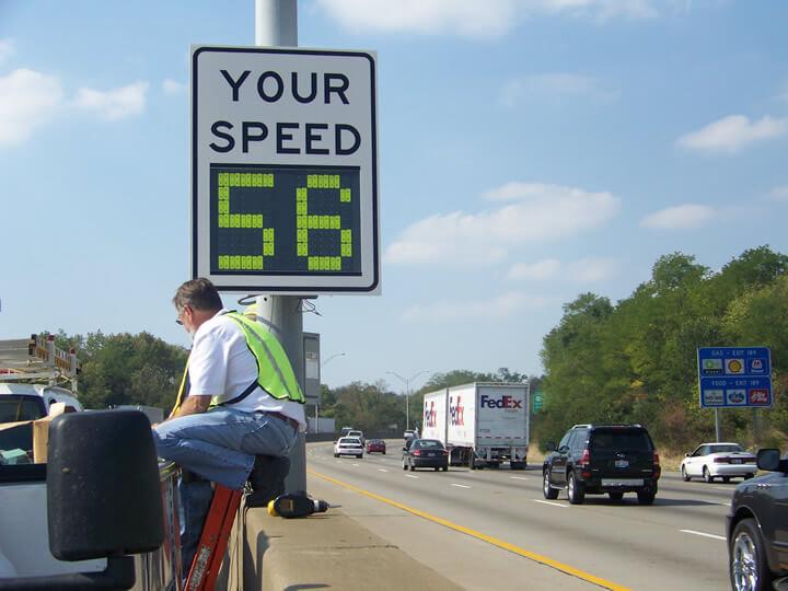 how fleet software monitors speed