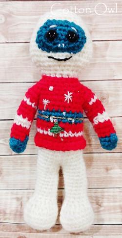 Ugly sweater Yeti