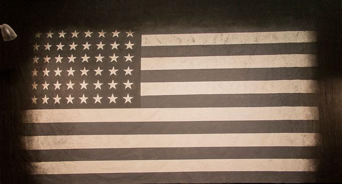 BLACK & WHITE AMERICAN FLAG 48 STAR