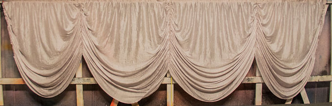 SILVER SCALLOPED BORDER