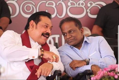 Mahinda Rajapaksa and Thilanga Sumathipala discuss
