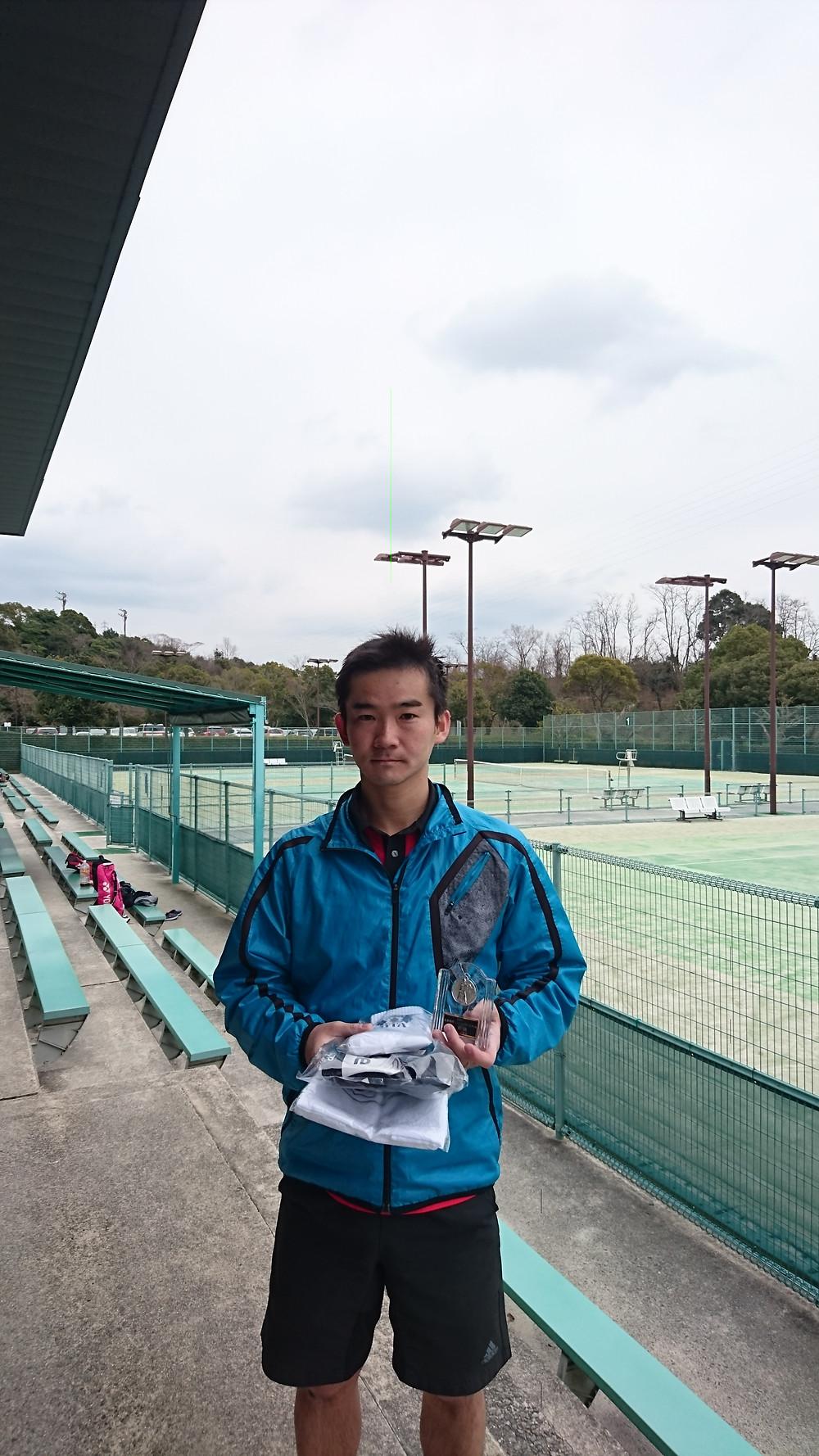 男子シングルス優勝 山田慎也(しんやテニス)