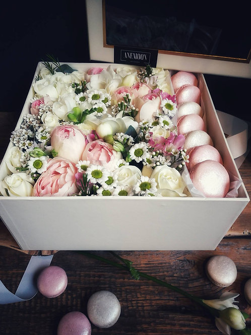 Ziedu kastīte 10