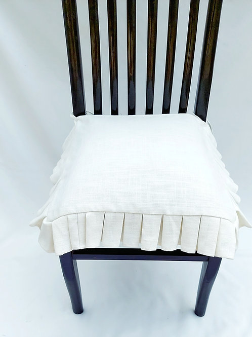 White Box Pleated Seat Cover