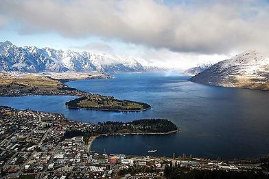 Winter_Queenstown_Lake_Wakatipu.NZ_(9370128062).jpg