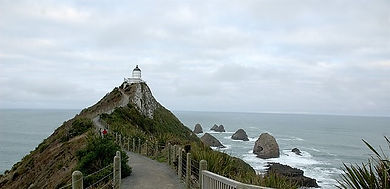 Approaching_the_Nugget_Point_Lighthouse (2).jpg