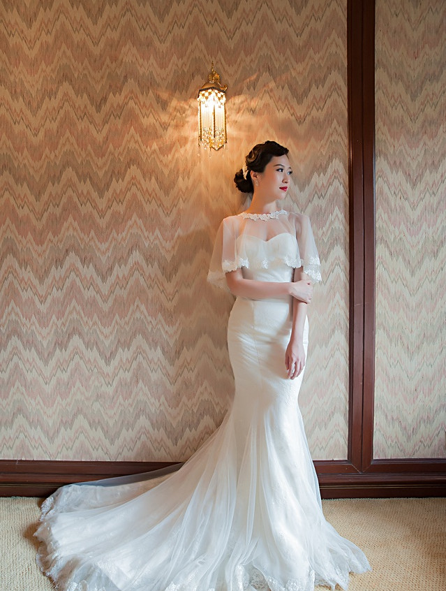 Trumpet white bridal gown