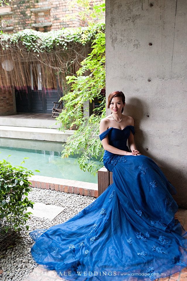 Royal Blue Off Shoulder Mermaid Gown