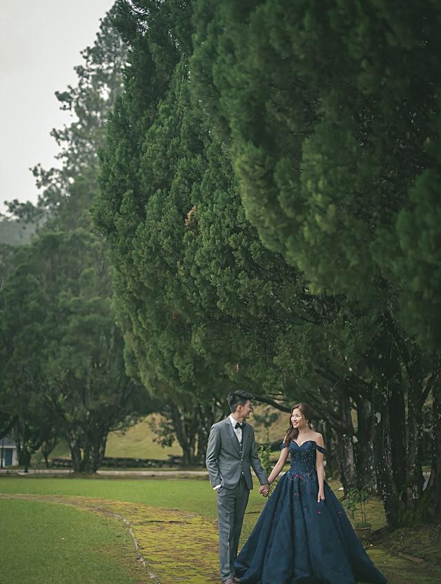 off-shoulder-royal-blue-ball-gown_0022