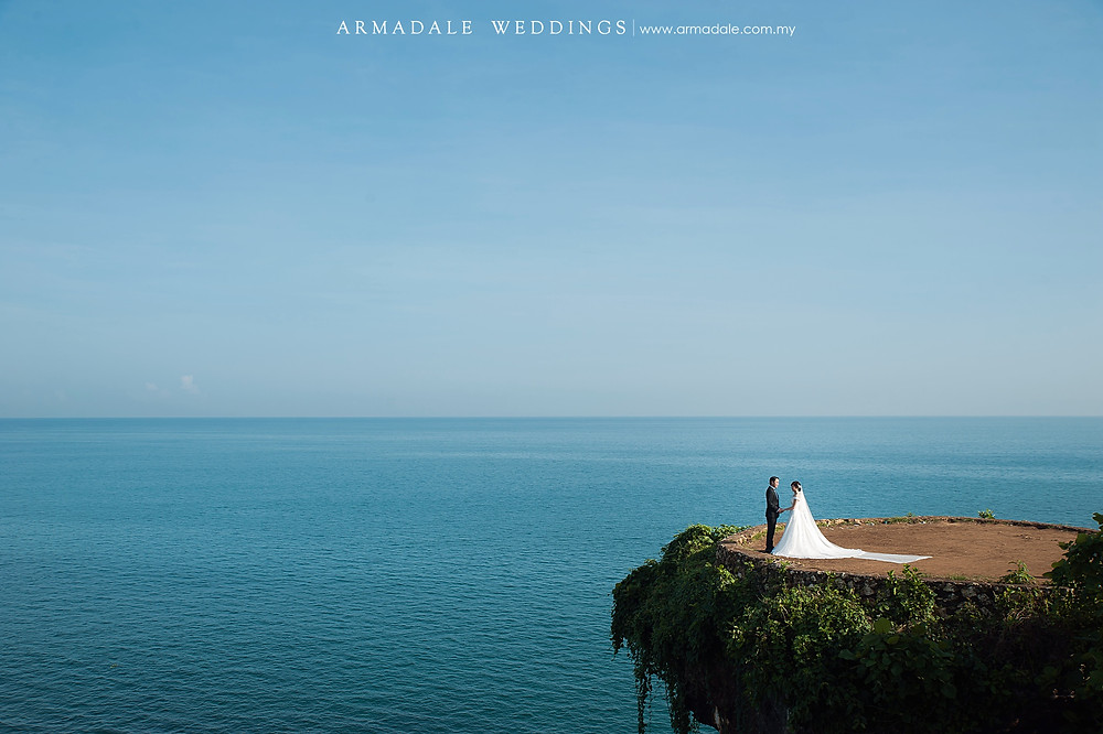 Bali Prewedding Cliff Top