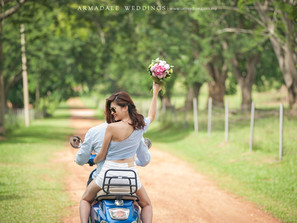 Romantic Natural Lifestyle Prewedding Photos