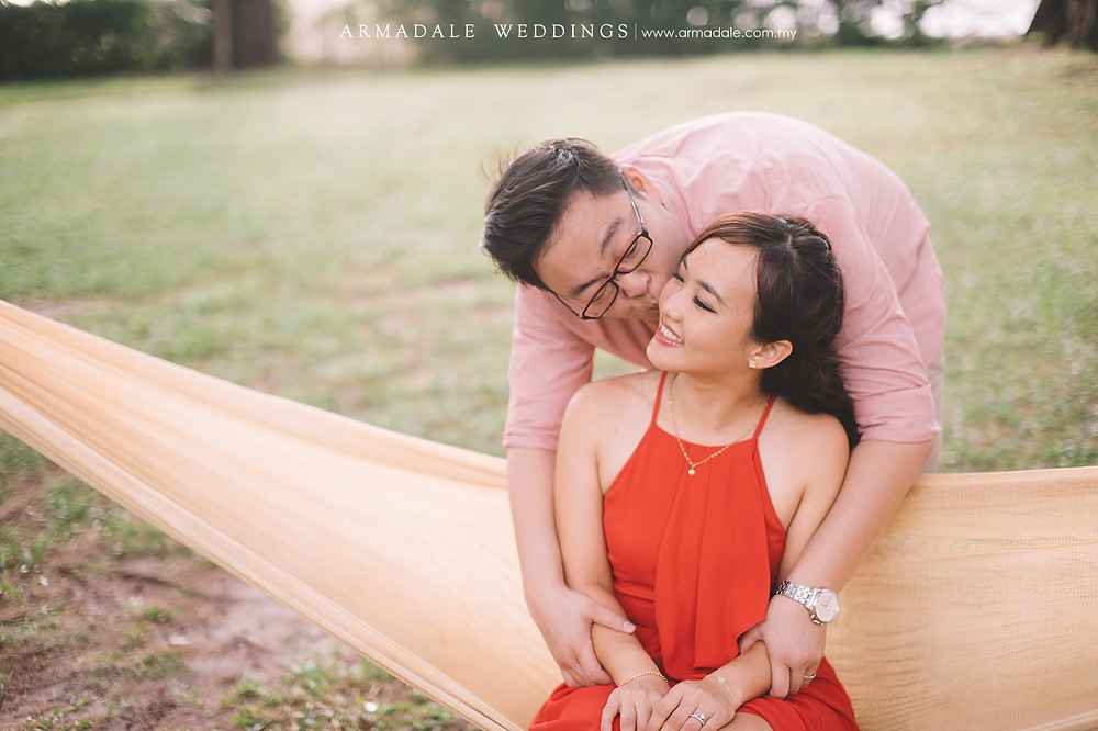 lifestyle engagement wedding photos