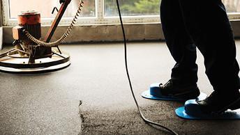 плюси і мінуси стяжки підлоги