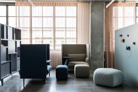 Project: Knoll Chicago Fulton Market Interior Design: Gensler Photo Courtesy of: Knoll  custom curtains