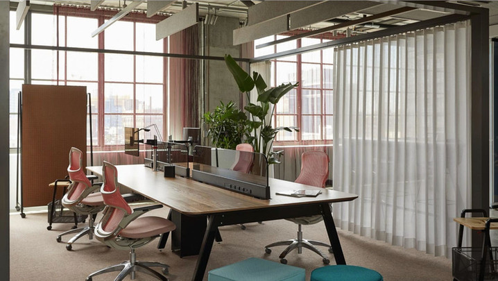 Project: Knoll Chicago Fulton Market Interior Design: Gensler Photo Courtesy of: Knoll  personalized window curtains