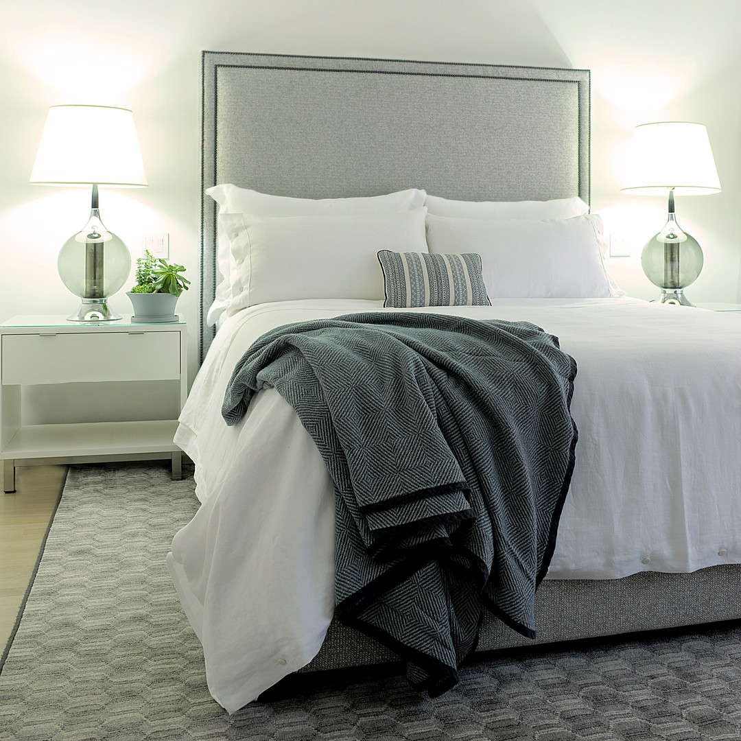 white linen bedding