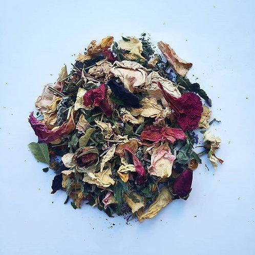 Чай квітковий з пелюстками чайної троянди