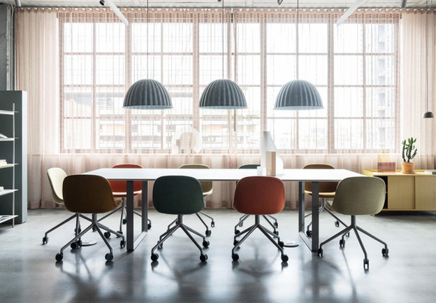Project: Knoll Chicago Fulton Market Interior Design: Gensler Photo Courtesy of: Knoll  custom drapes in meeting room