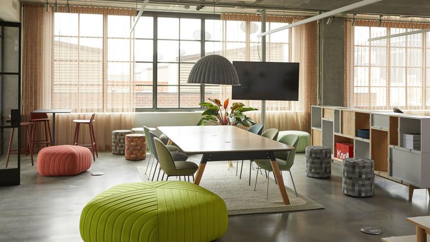Project: Knoll Chicago Fulton Market Interior Design: Gensler Photo Courtesy of: Knoll  custom drapes
