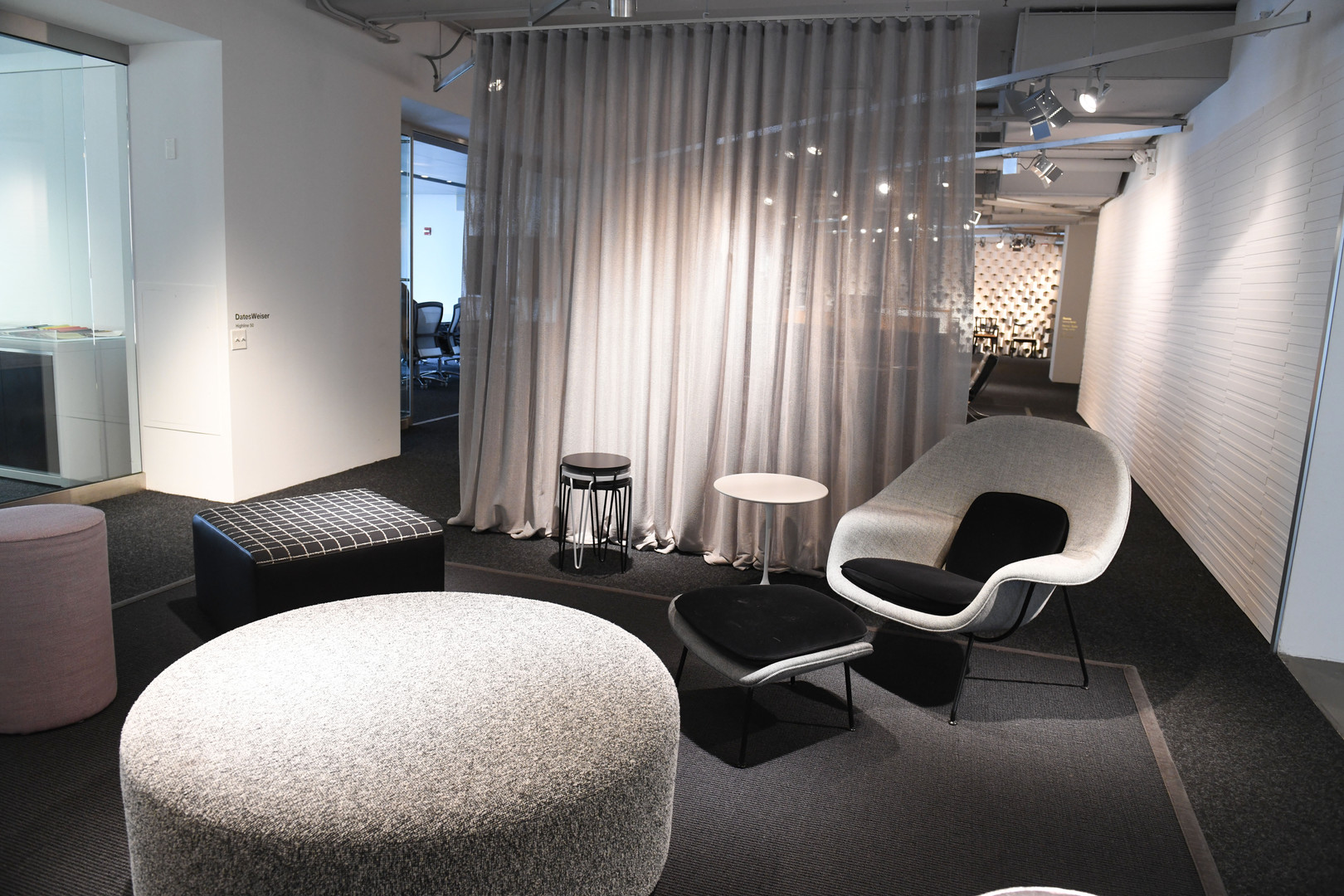 Project: Knoll Chicago Showroom Merchandise Mart Photo Courtesy of: Knoll  linen curtains for office