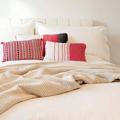 white linen sheet set