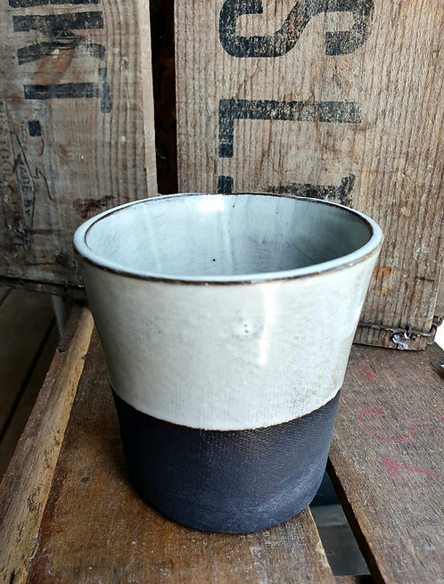 Black Porcelain Beaker